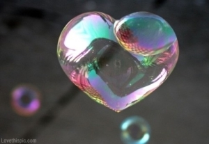 19986-Heart-Shaped-Bubble